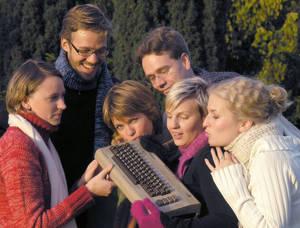 Medlemmarna i Visa Röster vårdar ömt sin Commodore 64.