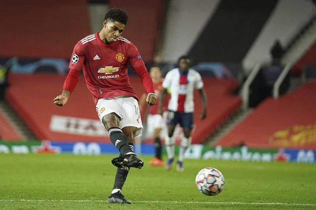 Marcus Rashford of Manchester United compares the giants in the battle with the PSG at 1: 1.