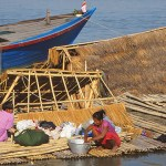 De bor på flotten! Mandalay