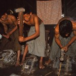 Tillverkning av guldblad. Mandalay