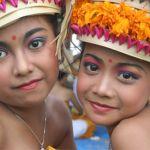 Fullmåneceremoni. Bali. Indonesien