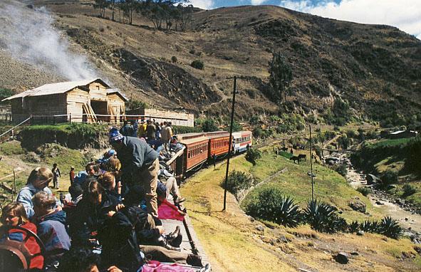 Tågresa nedför bergen. Riobamba