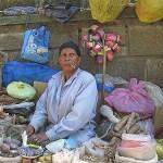 Kvinna på marknad. Addis Abeba