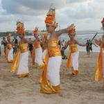 Fullmåneceremoni. Bali