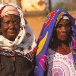 Kvinnor. Larabanga