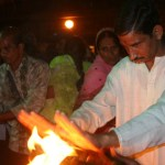 Synder bränns bort. Haridwar