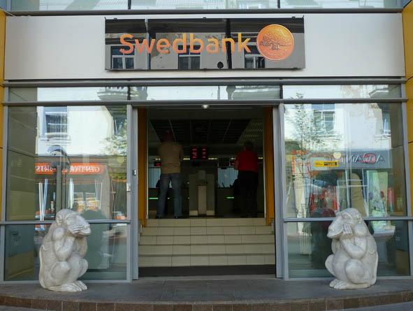 Aporna utanför Swedbank! Siauliai