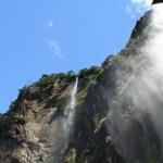 Två vattenfall. Milford Sound (U)