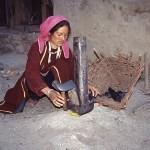Kvinna med spis. Miyar Nala
