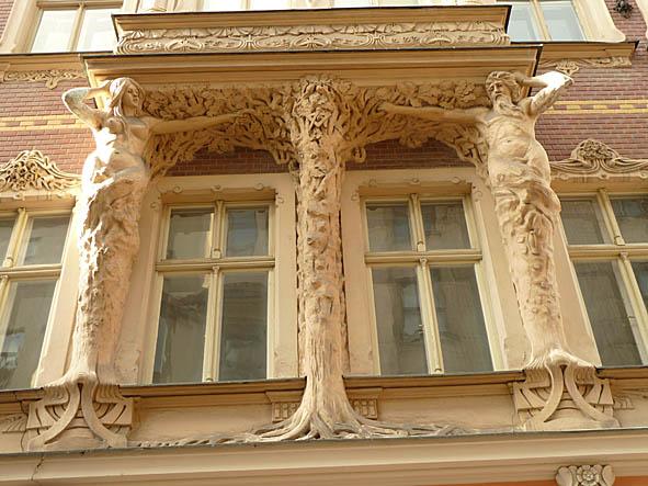 Jugendhus. Riga (U)