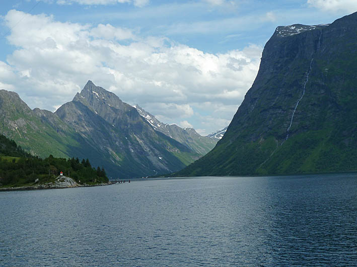 Hjörundfjorden. Sunmöre