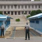 Soldater vända mot Nordkorea. DMZ