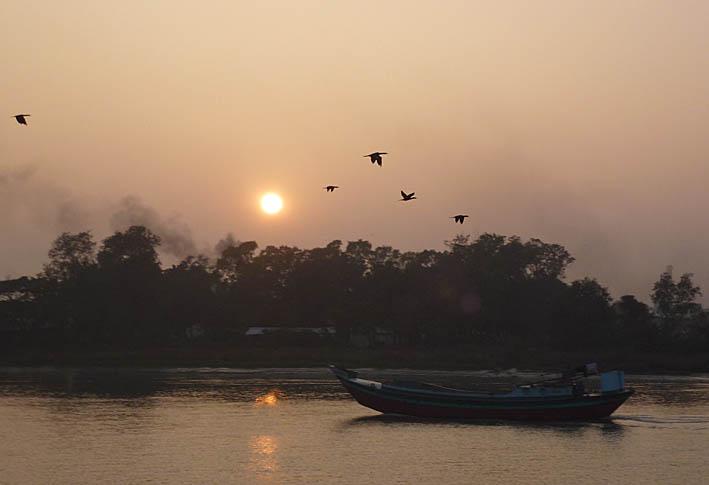Första solnedgången. Khulna