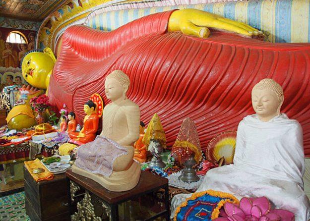 Liggande Buddha. Anuradhapura (U)