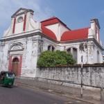 ...besök historiska platser. Colombo