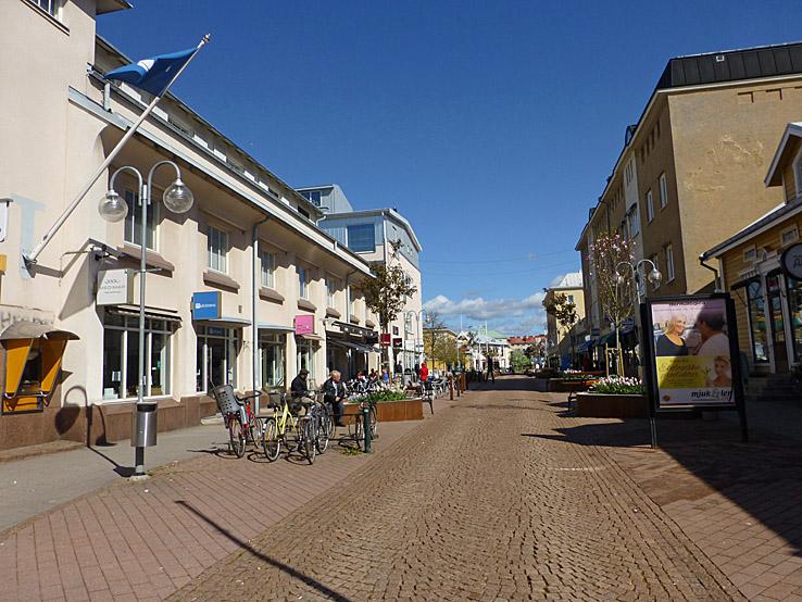 Cykla på ÅlandTorggatan. Mariehamn Cykla på Åland