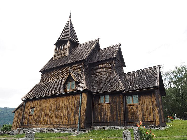 Stavkyrkan. Urnes (U)