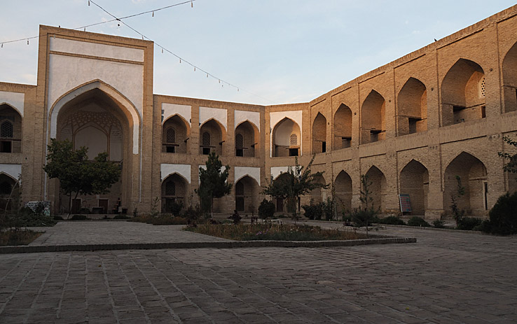 Kukeldash madrasa. Buchara (U)