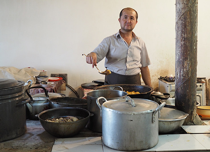Kock på restaurang. Bukhara
