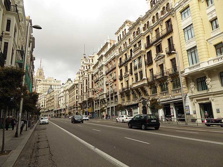 Paradgatan Gran Via. Madrid