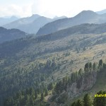Vandring mot berget Cimon del Tò, 2 400 möh. Cavalese