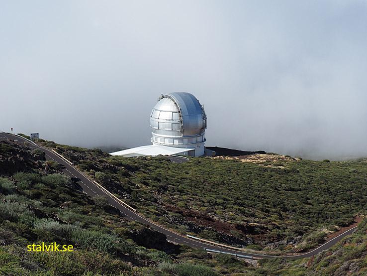 Observatorium. Nära Roque de los Muchachos