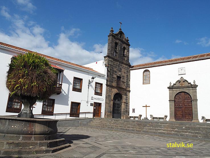 Klostret San Sebastian. Santa Cruz
