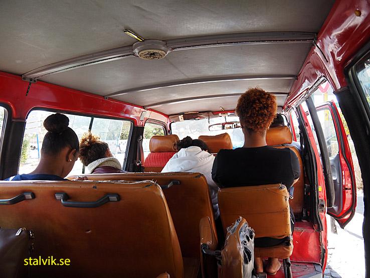 Minibuss till Espargos