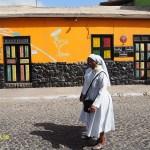 Nunnor på promenad. Santa Maria