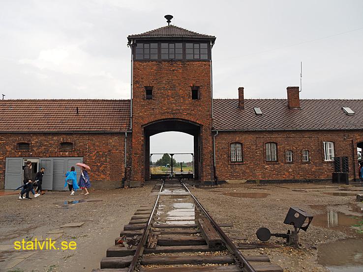 På insidan i lägret Birkenau