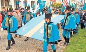 REVOLTĂTOR Consiliul Județean Harghita a votat steagul secuiesc ca steag al județului