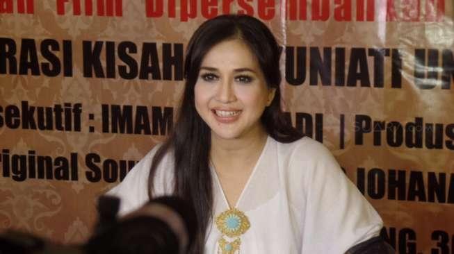 Paramitha Rusady saat jumpa pers film Sepasang Mata Ibu di Kemang, Jakarta Selatan, Jumat (30/10/2015) [suara.com/Ismail]