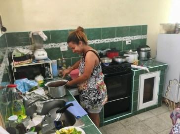 Vivian lagar lunch åt oss