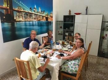 Frukost i vårt hus i Havanna