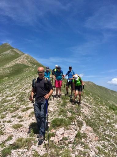Vår guide Maurizio visar vägen