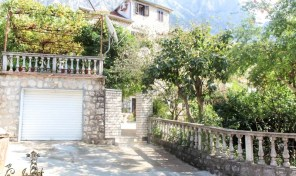 Luxury semi-detached stone house fully renovated, Kotor – Dobrota