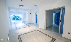 Poslovni prostor povrsine 250 kvadrata – Herceg Novi