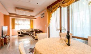 Prodaja – Luksuzan dvosoban stan na svega 20ak metara od mora – Igalo, Herceg Novi