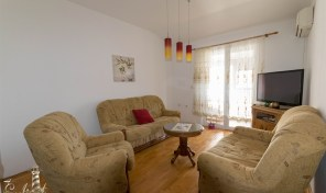 Two bedroom apartment with sea view – Igalo