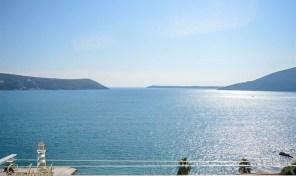 Prodaja – Renoviran stan sa panoramskim pogledom – Savina, Herceg Novi