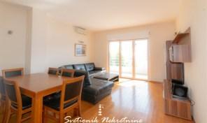 Prodaja stanova Herceg Novi – Luksuzno opremljen dvosoban stan sa pogledom na more