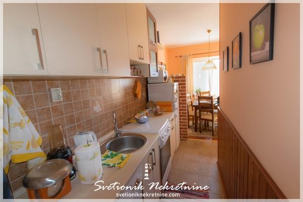 Prodaja stanova Herceg Novi Renoviran i kompletno opremljen stan Topla
