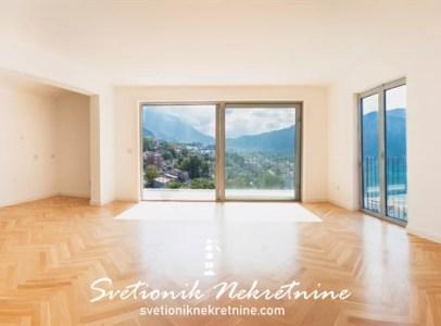 Prodaja stanova Kotor - Luksuzan trosoban stan sa pogledom na more, Dobrota