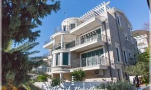 Kompleks od dve vile na obali mora –  Bijela, Herceg Novi