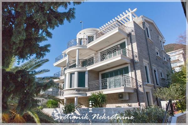 Luksuzne nekretnine na hercegnovskoj rivijeri - Kompleks od dve vile na obali mora