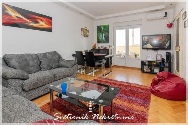 Prodaja stanova Herceg Novi - Renoviran stan sa pogledom na more, Topla 2, Herceg Novi