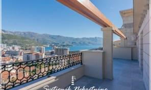 Prelep dvosoban stan sa panoramskim pogledom na more – Babin Do, Budva