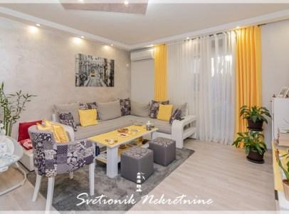 Prodaja stanova Kotor - Renoviran dvosoban stan, Rakite