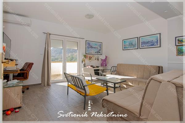 Prodaja stanova hercegnovska rivijera - Juzno orijentisan jednoiposoban stan, Bijela