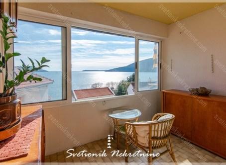 Prodaja stanova Herceg Novi - Dvoiposoban stan sa prelepim pogledom na more, Savina